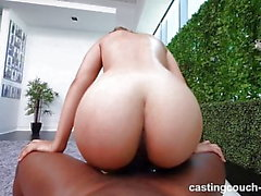 asiatisk creampie interracial