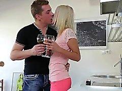 blond pov petits seins étudiant