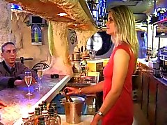 Une Pipe Derriere le Bar