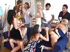 crazy partijen groep neuken partijen groepsseks groepsex orgie