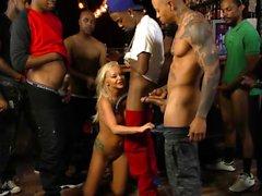 blondin avsugning bukkake gruppsex