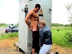 boquetes posições gay dos homossexual alegres gay ao ar livre pitos alegre