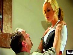 Alexis Texas enjoys some amazing BDSM action