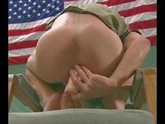 гей групповой секс раздевалка военный