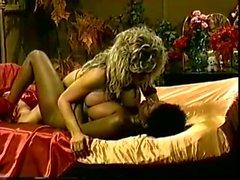 Ebony Ayes and Melissa Mounds