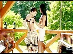 ashley bulgari lesbienne étudiant de petites - nichons européen