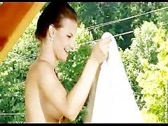 ashley bulgari lesbiana adolescente pequeñas pechos europeo