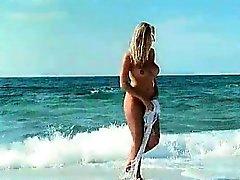 spiaggia grandi tette biondo erotico