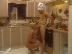 bebês peitos grandes loiras pornstars na cozinha