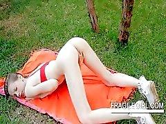 amador morena russo sensual magro