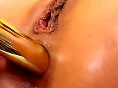 Kissable girl is gaping juicy twat in close range and climax