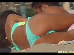 spiaggia bikini camme nascoste capezzoli voyeur