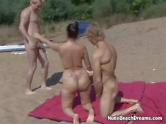Nude beach swingers at NudeBeachDreams