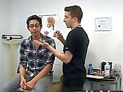 любительский врач гей