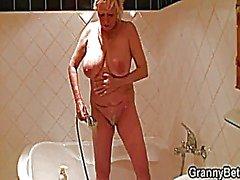 grandi tette nonne matura