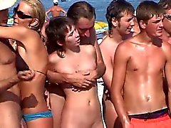 ranta julkinen alastomuus tirkistelijä