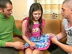 brunette viol collectif hardcore russe petits seins