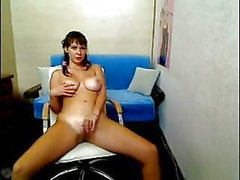 brunettes strip-tease 18 ans