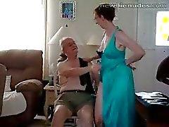 hauska erääntyy isoäidit