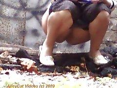 womens hidden piss