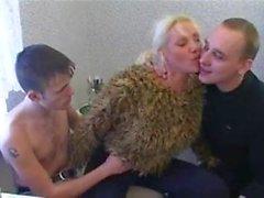 amatör grup seks genç yaşlı