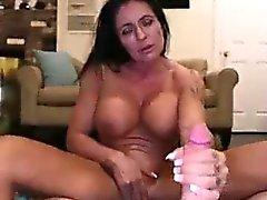 büyük göğüsler büyük musluklar oral seks esmer