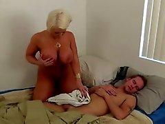 blondes éjaculations handjobs latin milfs