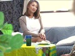 madre giapponese petite mamma moglie affare barare casalinga jav scuro