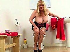 büyük göğüsler ingilizler yakın çekim hd kadın iç çamaşırı