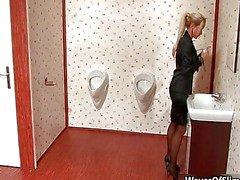 solo flicka oralsex blondin kaukasiska avsugning