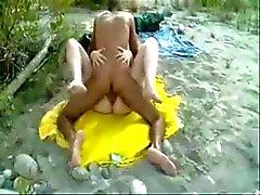 amador corno nudez em público