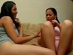 filles lesbienne lécher la chatte fille mexicain