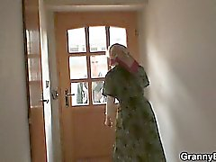 blondine blowjob oma oma hausfrau