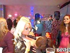 partido rubia lesbiana besos paliza