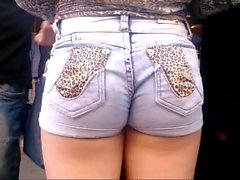 novinha shortinho jeans socado