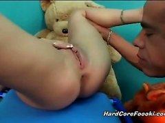 bebek büyük musluklar oral seks