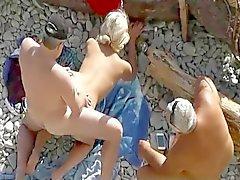 plage nudité en public voyeur