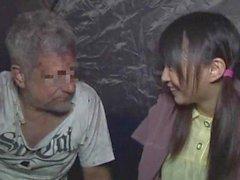 asiático japonês jovens de idade sem casa