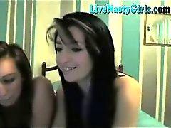 amateur brunette lesbienne étudiant webcam