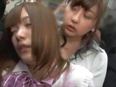lesbiche adolescenza giapponese 18 anni