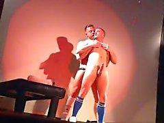 видео -звезды секса - выставка живых секс