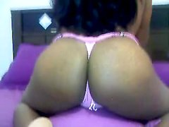 Amateur posing on cam