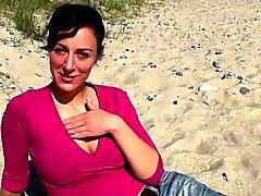 suesse touristin - blowjob and facial in van (german)